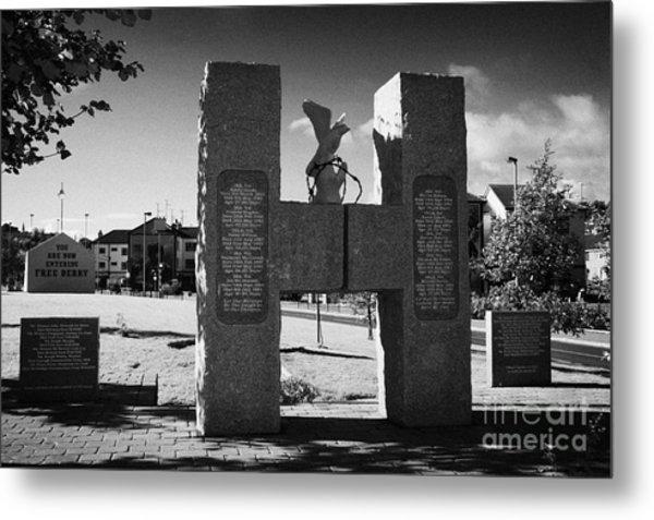 H Block Hunger Strikers Memorial Sculpture At Free Derry Corner In The Bogside Area Of Derry Londonderry Northern Ireland Metal Print