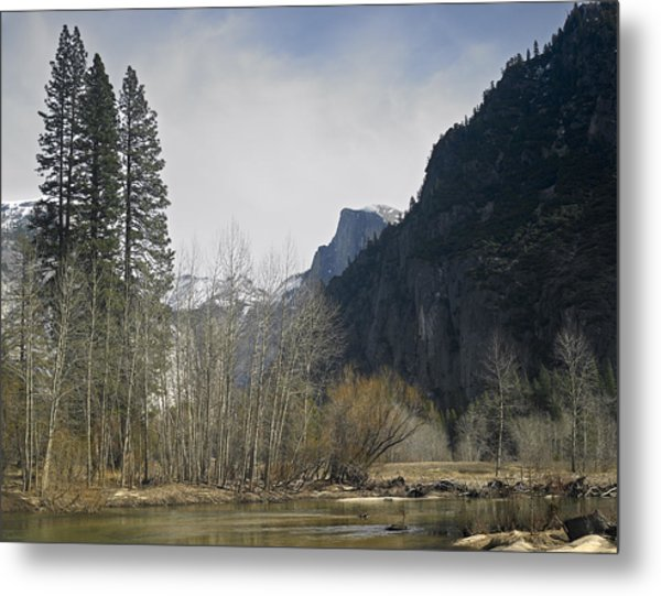 Half Dome And The Merced River In Winter Metal Print by Richard Berry