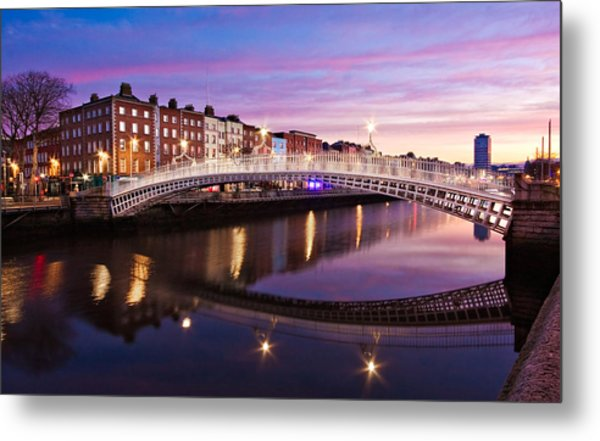 Metal Print featuring the photograph Hapenny Bridge At Dawn - Dublin by Barry O Carroll