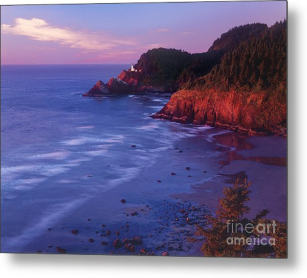 Metal Print featuring the photograph Heceta Head Lighthouse At Sunset Oregon Coast by Dave Welling