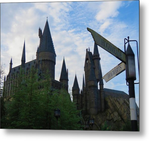 Hogwarts Castle With Signs Metal Print