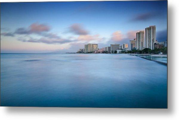 Honolulu Waikiki Early Morning Metal Print by Tin Lung Chao