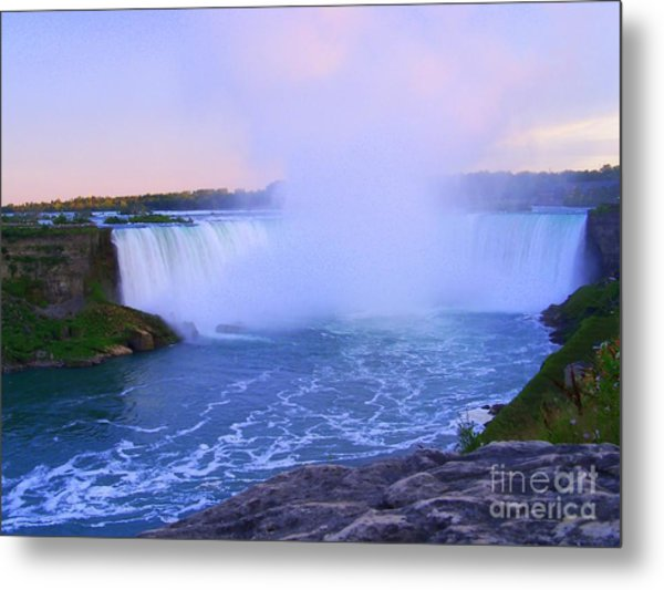 Horseshoe Falls Sunset In The Summer Metal Print