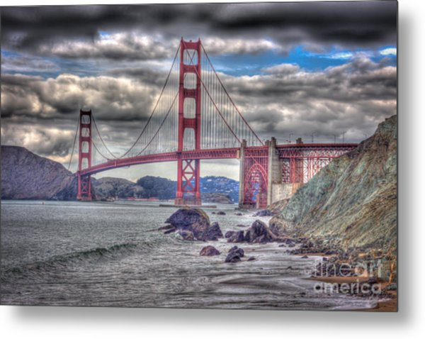 Iconic Golden Gate Bridge Metal Print