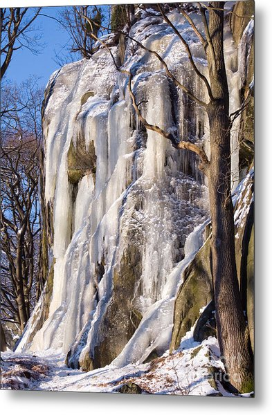 Icy Rocks Metal Print by Lutz Baar