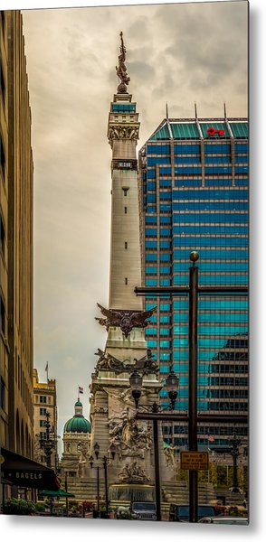 Indiana - Monument Circle With State Capital Building Metal Print