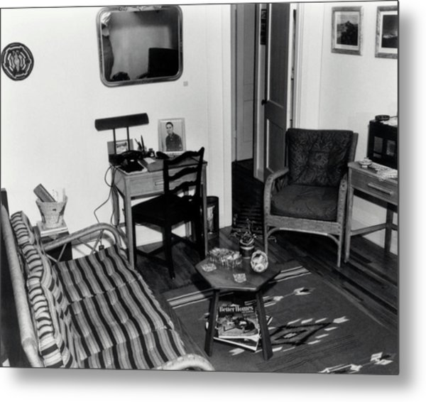 Interior Of Typical House Metal Print by Los Alamos National Laboratory/science Photo Library