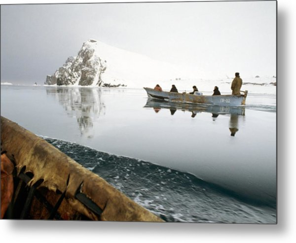 Inuit Sea Hunters Metal Print by Science Photo Library