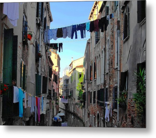 Italian Clotheslines Metal Print
