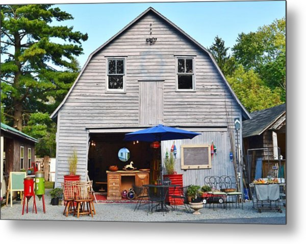 The Old Barn At Jaynes Reliable Antiques And Vintage Metal Print