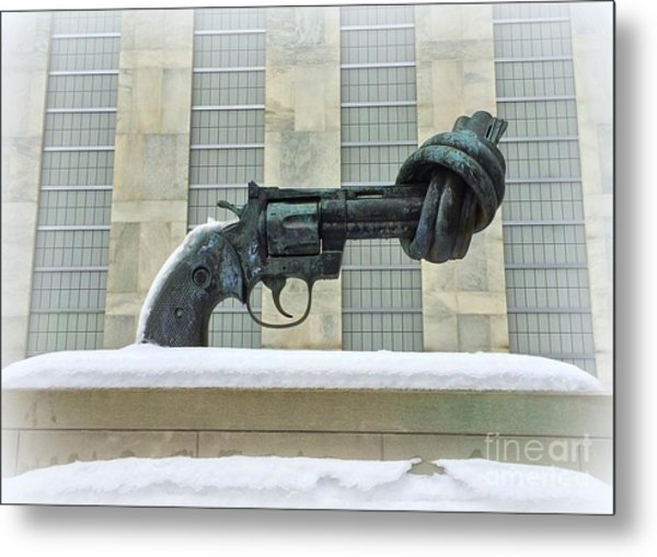 Knotted Gun Sculpture At The United Nations Metal Print