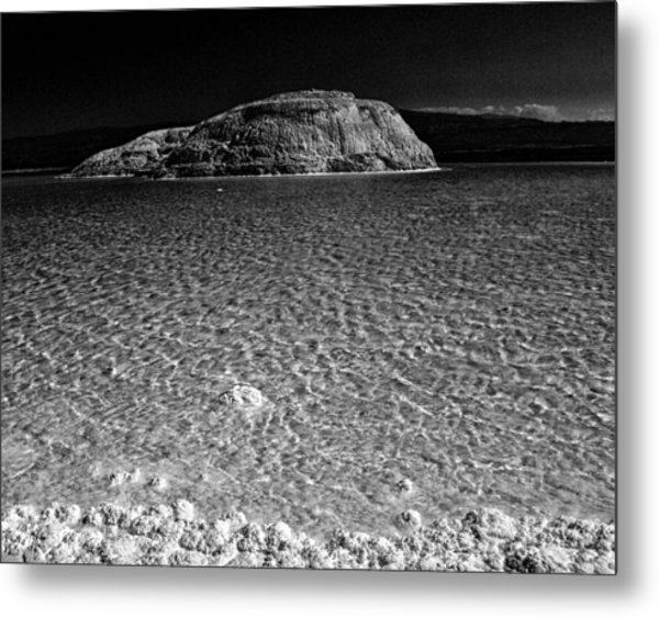 Lac Assal In Djibouti Metal Print by Guillermo Hakim