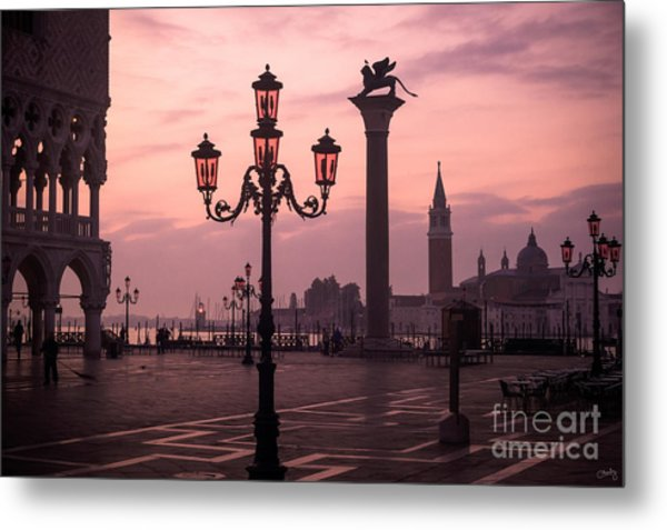 Lamppost Of Venice Metal Print