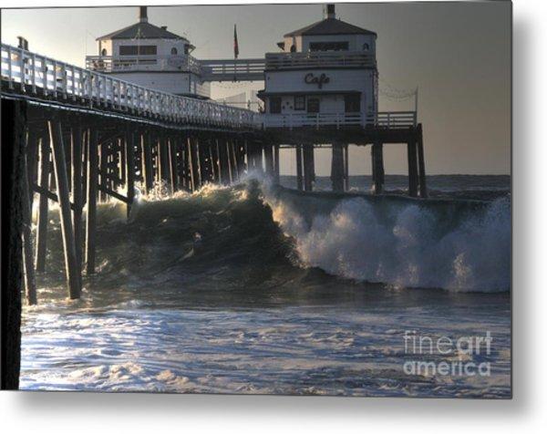 Large Wave At Malibu Pier Metal Print