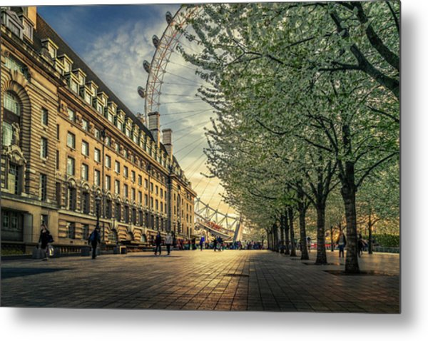 Last Daylights At The London Eye Metal Print