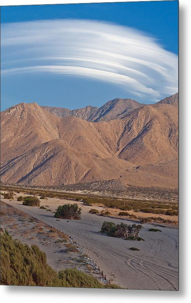 Lenticular Cloud Over Palm Springs Metal Print