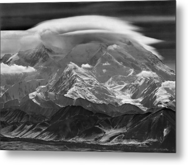 101366-lenticular Cloudcap Over Mt. Mckinley Metal Print