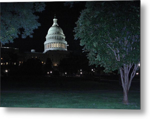 Light In The Capitol Metal Print by Frank Savarese