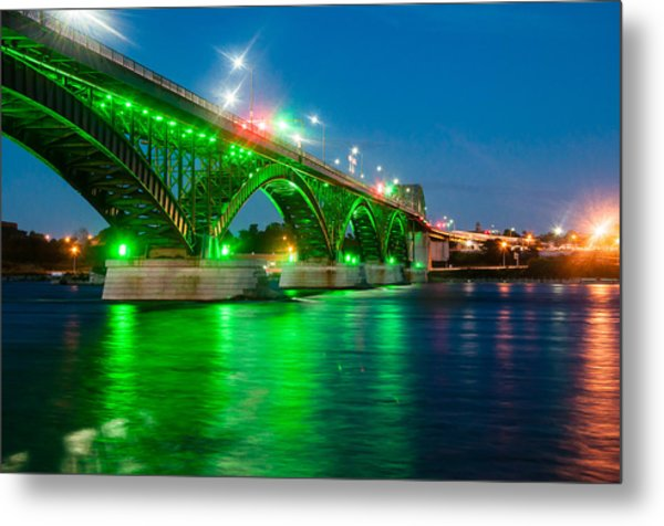 Lighting Up The Waters Of The Niagara River Metal Print