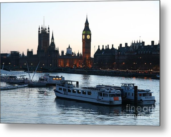 Lighting Up Time On The Thames Metal Print