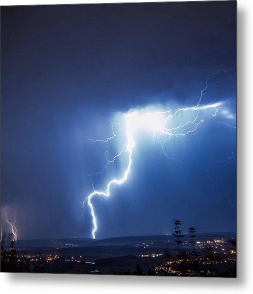 Lightning Over City Metal Print by Hans-peter Semmler / Eyeem