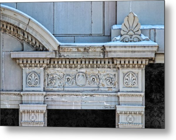 Lincoln County Courthouse Door Arch Metal Print
