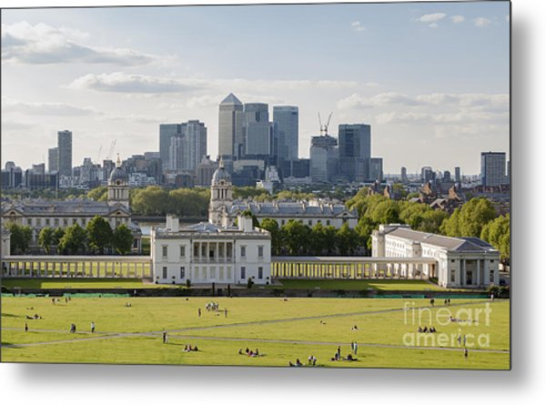 London View From Greenwich Metal Print by Roberto Morgenthaler