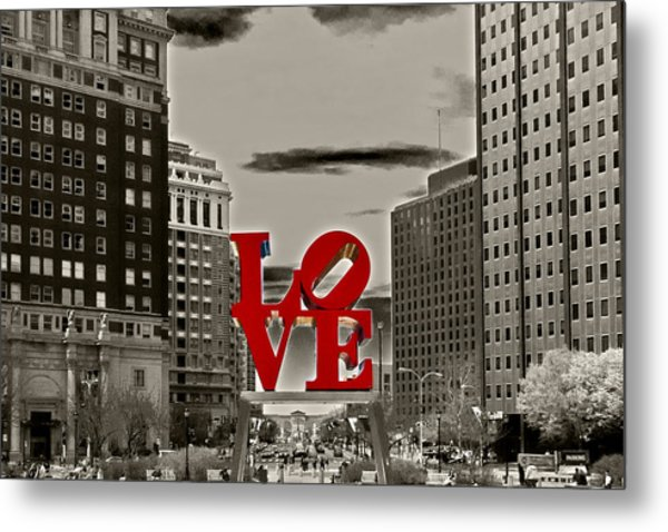 Love Sculpture - Philadelphia - Bw Metal Print