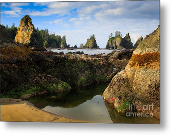 Low Tide At The Arches Metal Print