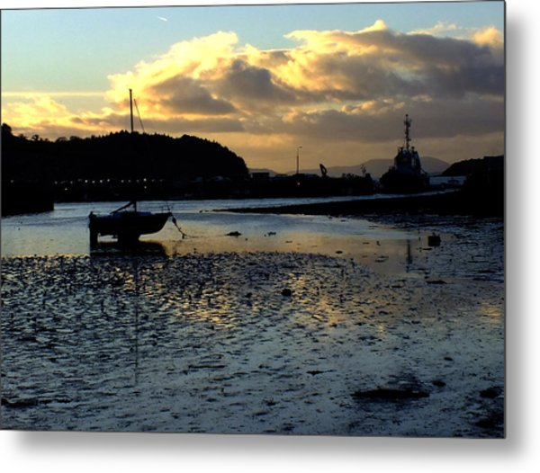 Low Tide On The Harbour Metal Print