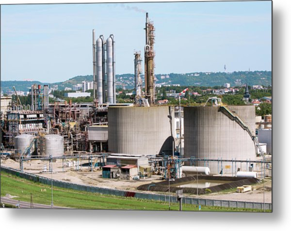 Lubricants Plant Metal Print by Andrew Wheeler/science Photo Library