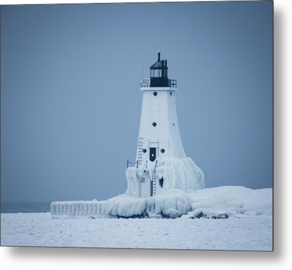 Ludington North Pier Lighthouse In Winter Metal Print