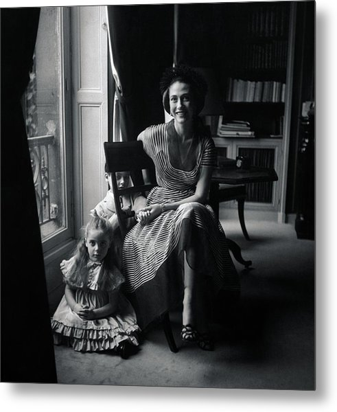 Madame Marcel Rochas With Her Children Metal Print