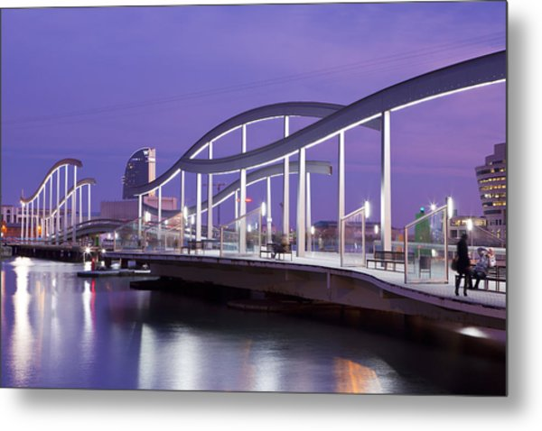 Maremagnum Curves In Barcelona Metal Print by Javier Fores