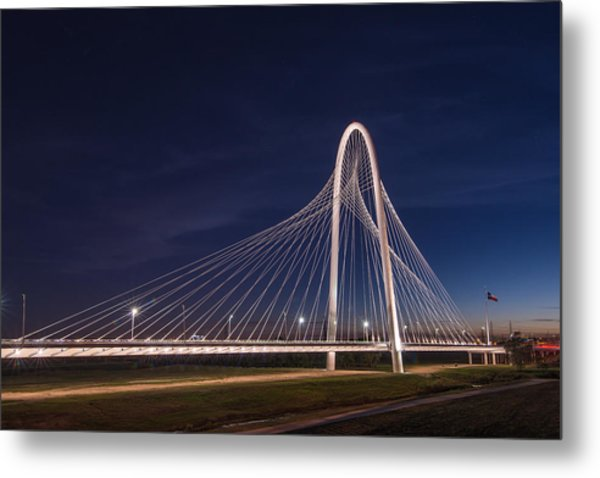 Margaret Hunt Hill Bridge In Dallas At Night Metal Print