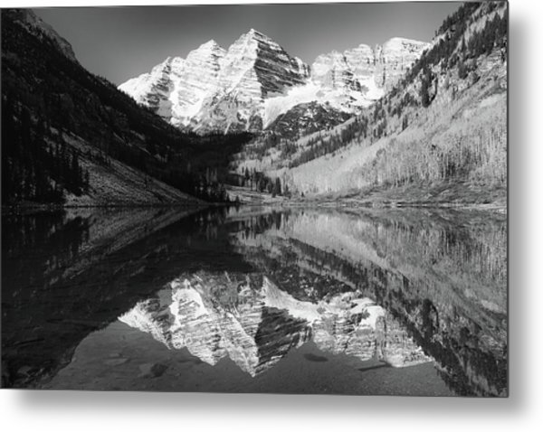 Maroon Bells Reflections - Black And White Metal Print