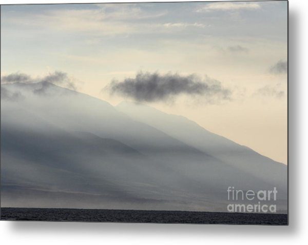 Maui In Gray Metal Print