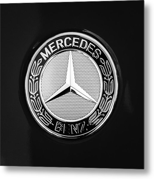 Mercedes-benz 6.3 Gullwing Emblem Metal Print