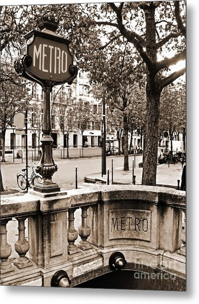 Metro Franklin Roosevelt - Paris - Vintage Sign And Streets Metal Print