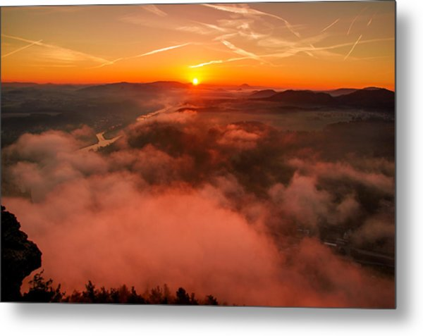 Misty Sunrise On The Lilienstein Metal Print