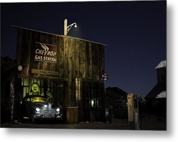 Mojave Nights At The Chevron Gas Station Metal Print