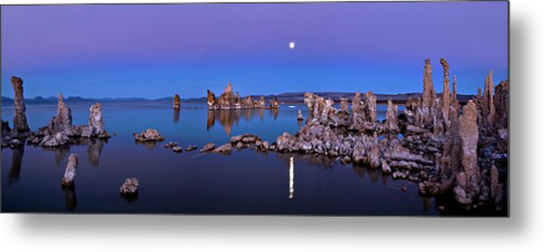 Mono Lake Moon Rise Metal Print