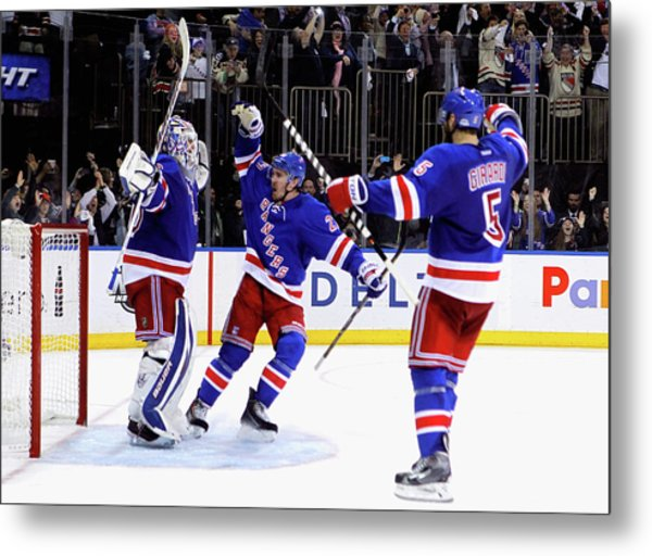 Montreal Canadiens V New York Rangers - Metal Print by Mike Stobe