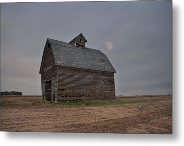 Moon Over Abandoned Iowa Corn Crib Metal Print