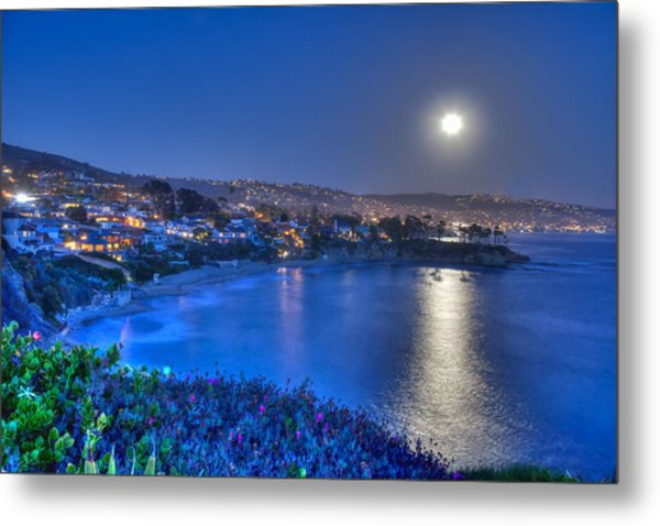 Moon Over Crescent Bay Beach Metal Print