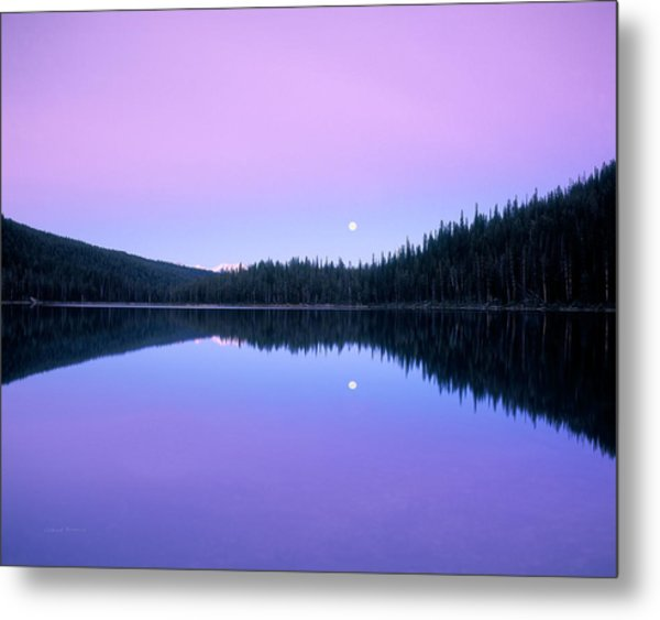 Moon Rise Metal Print by Leland D Howard