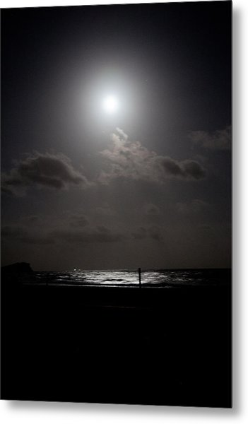 Moon Rise Over Ocean Metal Print