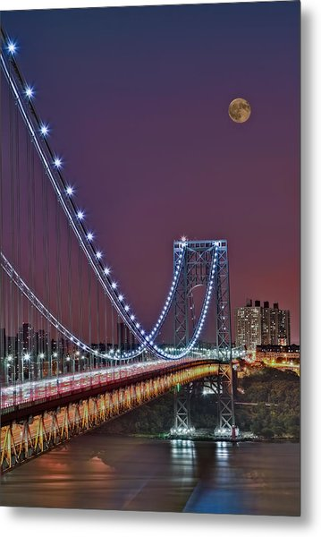 Moon Rise Over The George Washington Bridge Metal Print