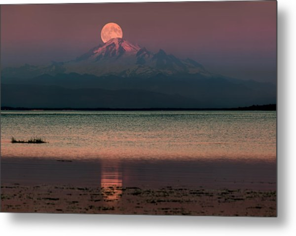 Moonrise Over Mount Baker Metal Print