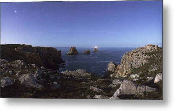 Moonrise Over The Sea Metal Print by Science Photo Library